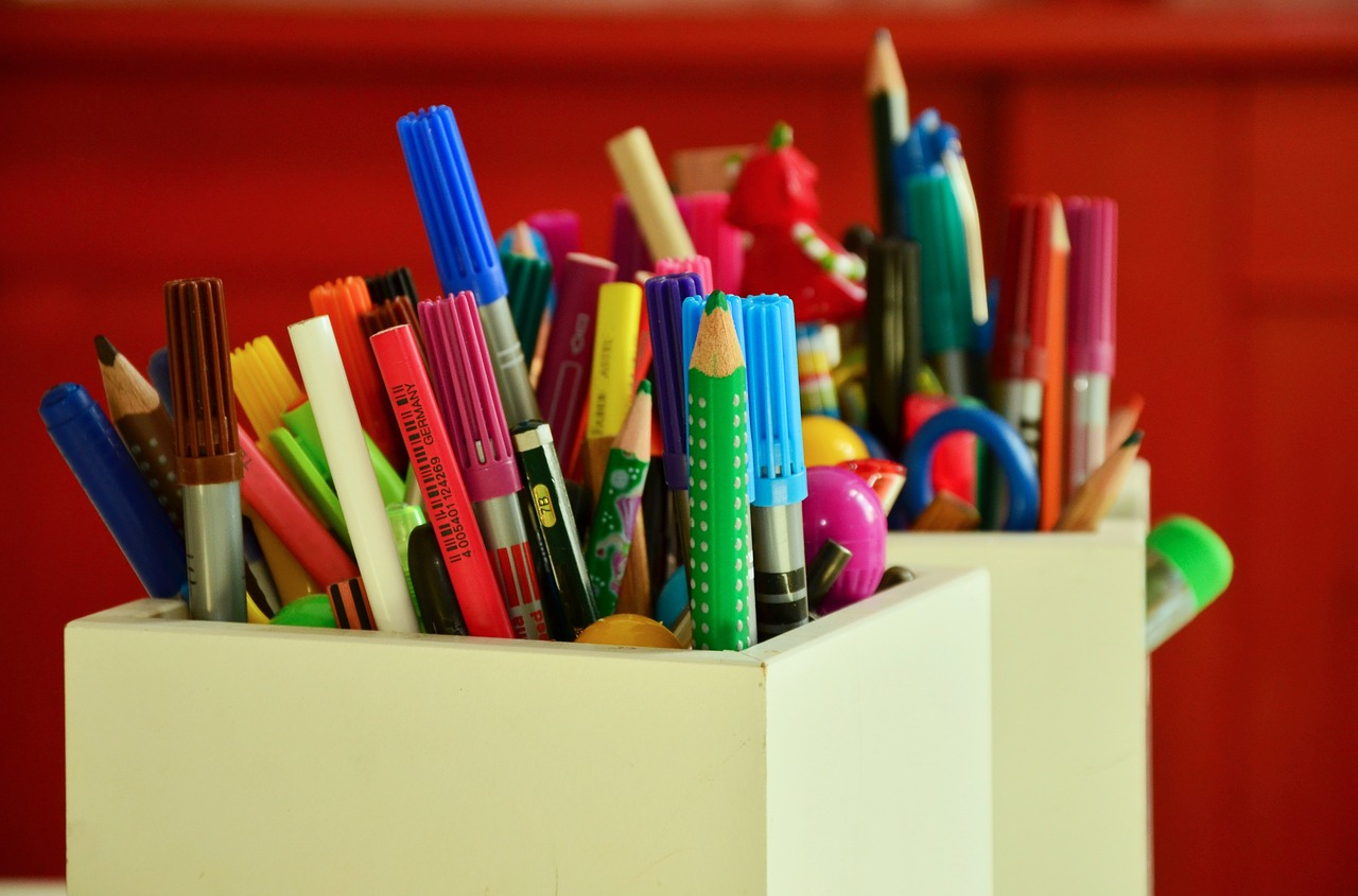 pens-1315886_1280