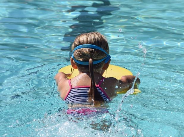 Als sich Tine im Schwimmbadwehrte